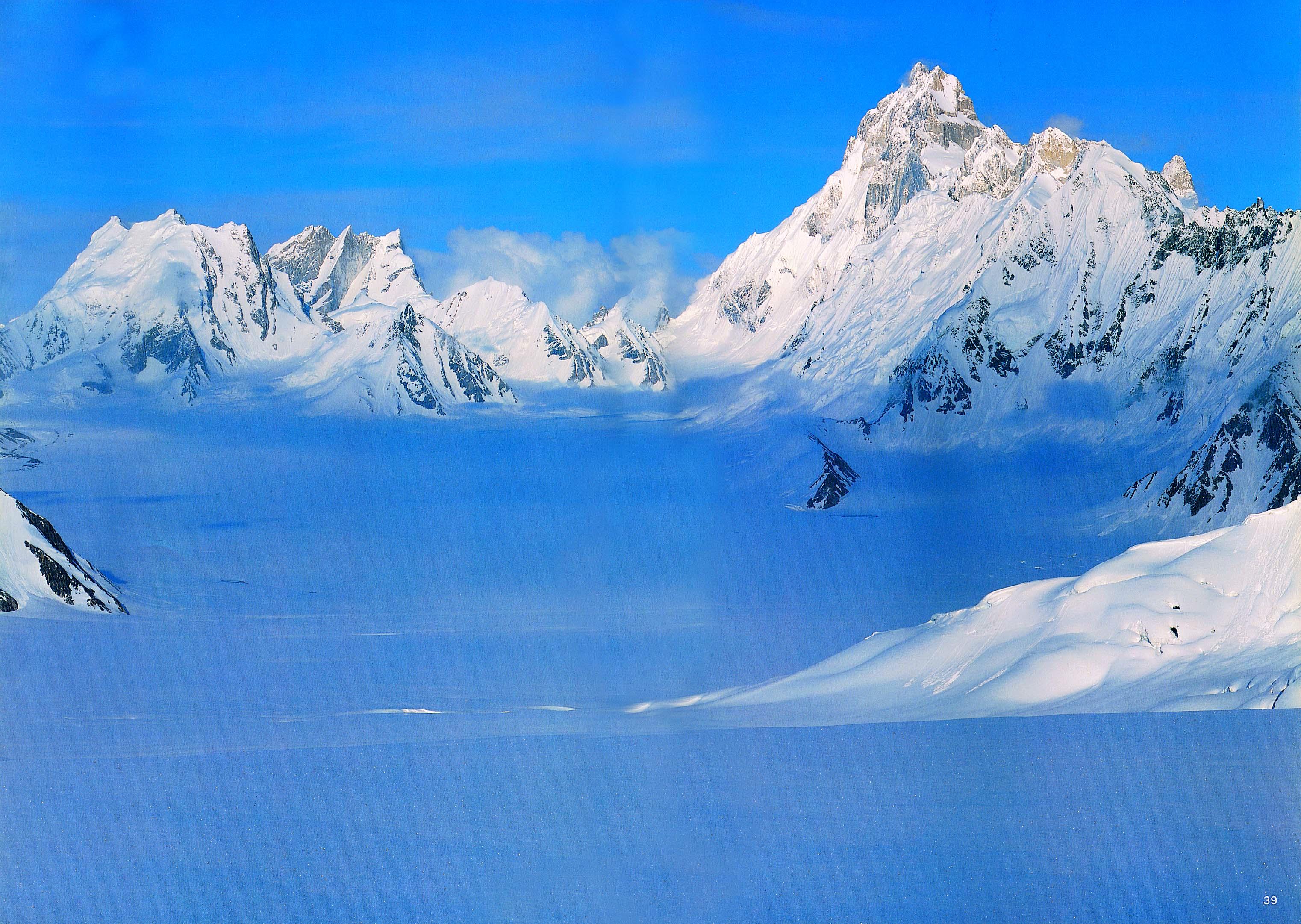 snow lake baifo hispar trek